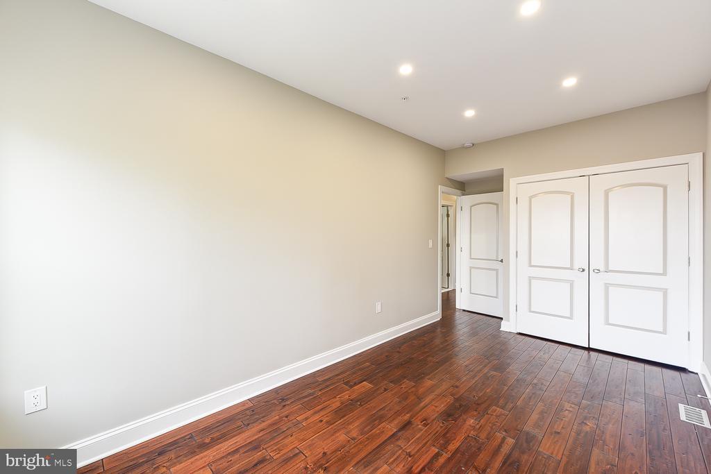 2nd Bedroom w/Closet View - 1167 MORSE ST NE #2, WASHINGTON