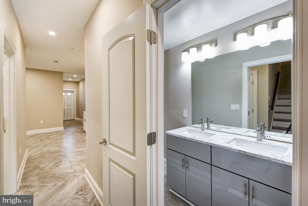 Basement Full Bathroom - 1167 MORSE ST NE #2, WASHINGTON