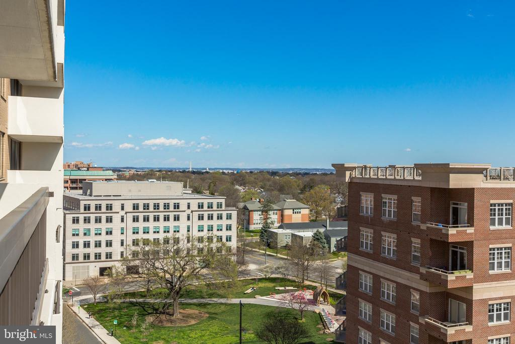 Panoramic Monument Views - 3800 FAIRFAX DR #1014, ARLINGTON