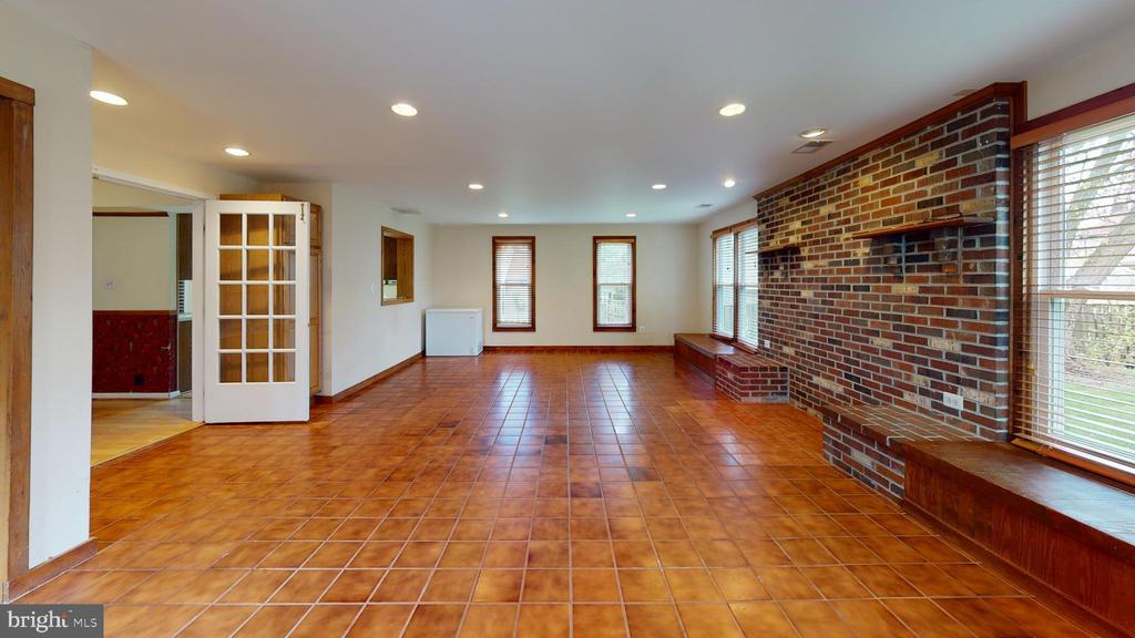 Oversized bonus room - 12803 SCRANTON CT, HERNDON