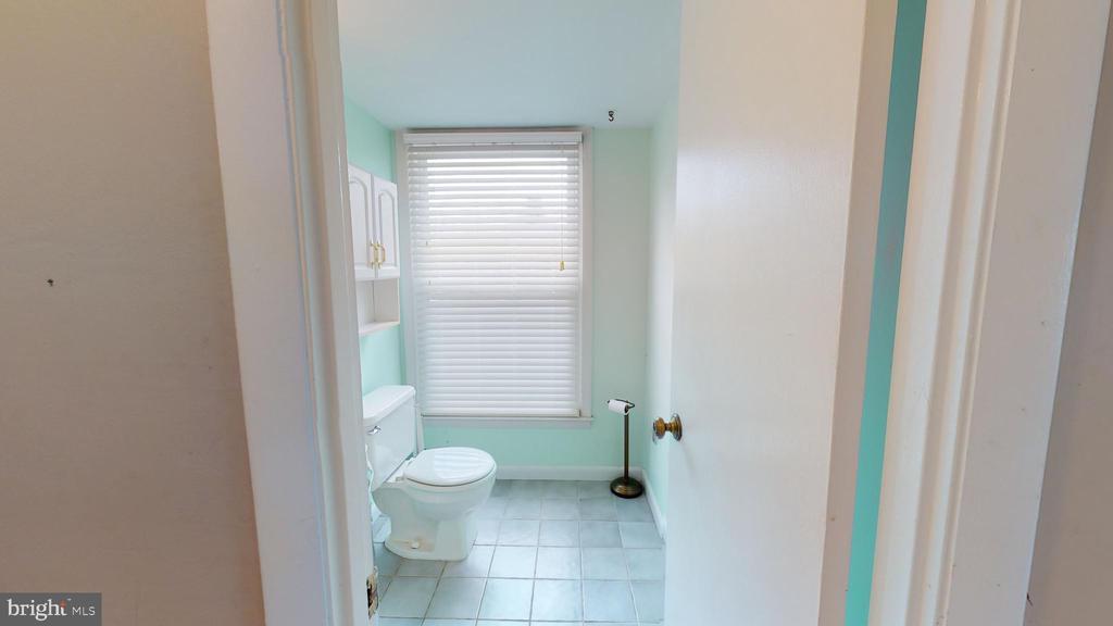 Main level powder room - 12803 SCRANTON CT, HERNDON