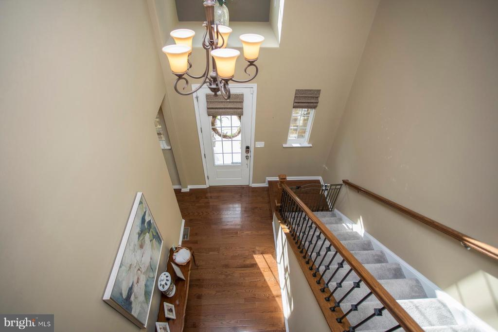 Upper level view of foyer and stairway - 26 WAGONEERS LN, STAFFORD