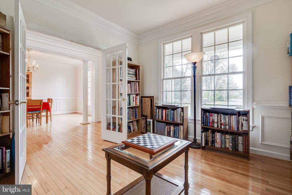 Beautiful library with French doors - 1210 MARSEILLE LN, WOODBRIDGE