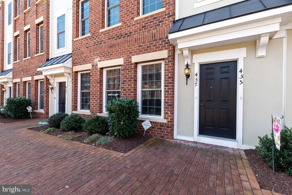 Spacious Upper Level Godfrey Model by Ryan Homes - 455 KORNBLAU TER SE, LEESBURG