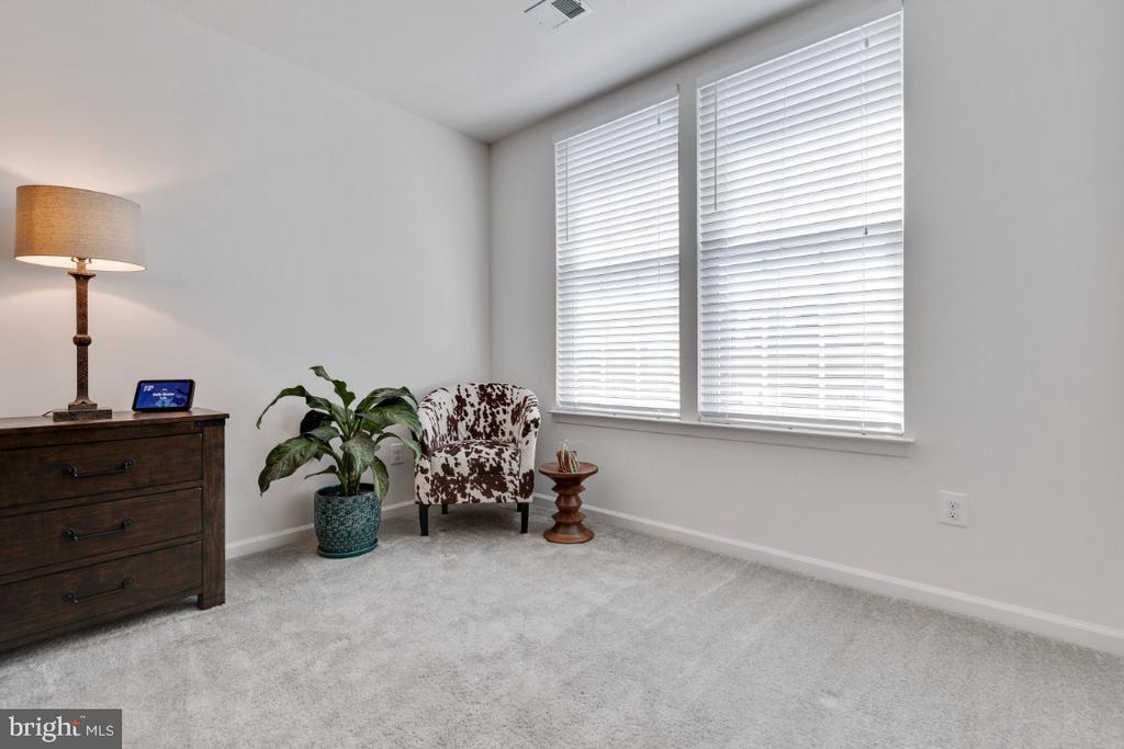 Master Suite Sitting Room - 455 KORNBLAU TER SE, LEESBURG