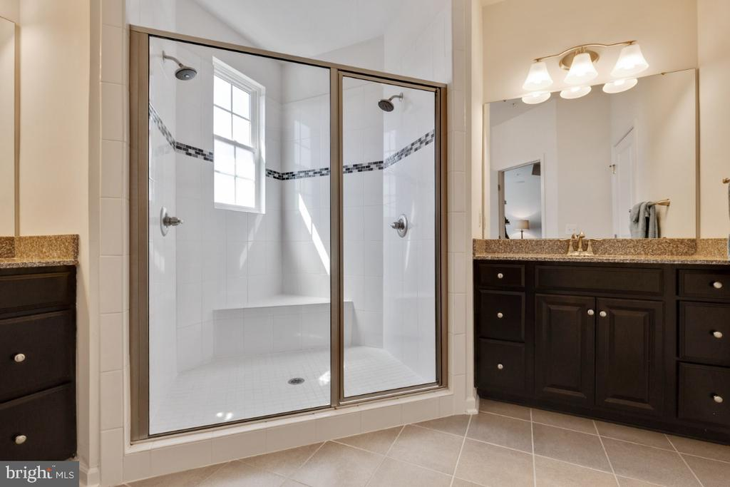 Luxury Master Bathroom with Dual Vanities - 455 KORNBLAU TER SE, LEESBURG