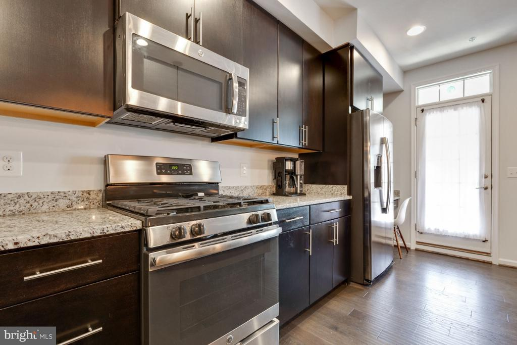 Stainless Steel Appliances - 455 KORNBLAU TER SE, LEESBURG