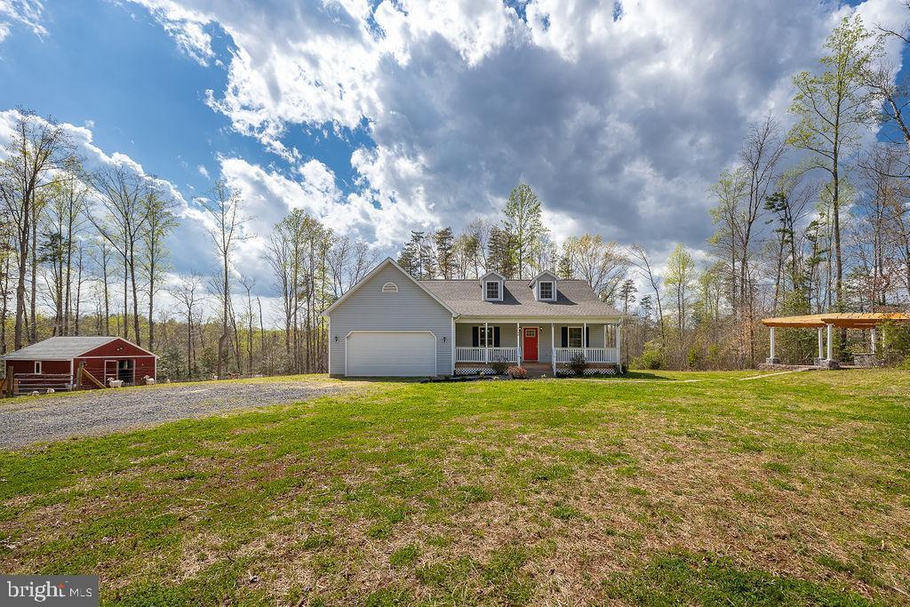 Home w/barn, barn lot, patio, pergola, brick oven - 6488 SOUTHFORK LN, LOCUST GROVE