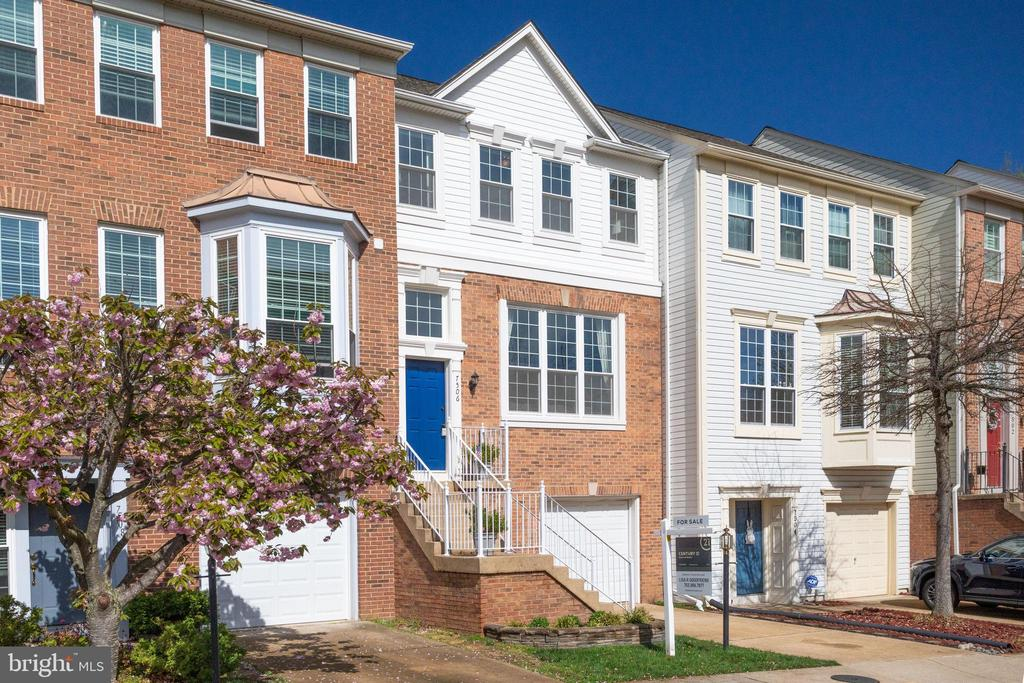 Lovely townhome in Island Creek - 7506 SHIRLEY HUNTER WAY, ALEXANDRIA
