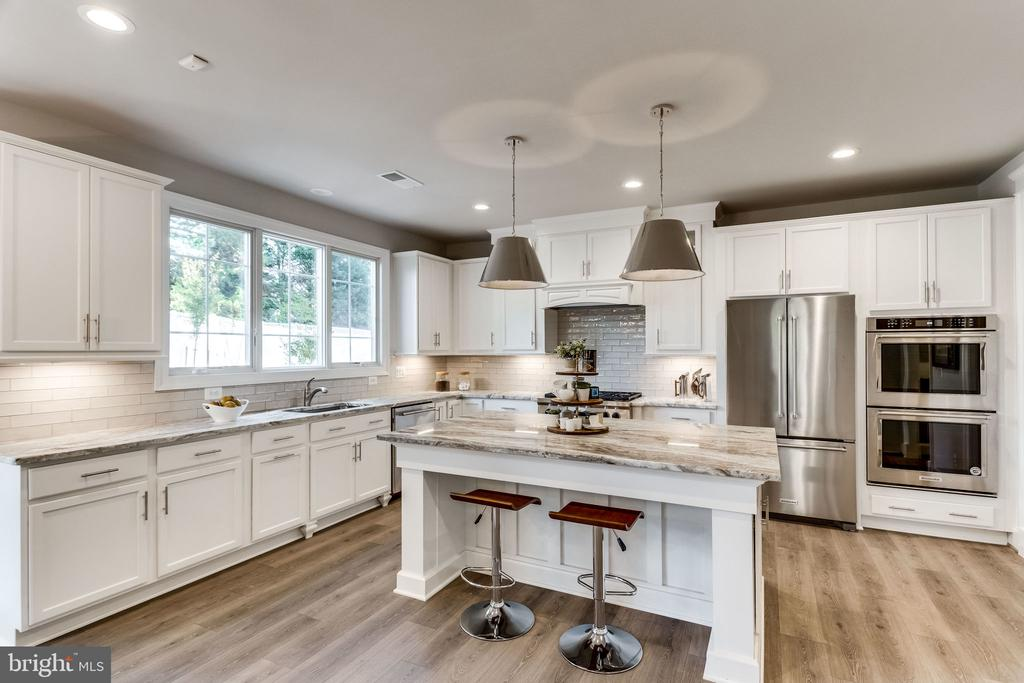 GOURMET KITCHEN - 3129 CHICHESTER LN #3, FAIRFAX