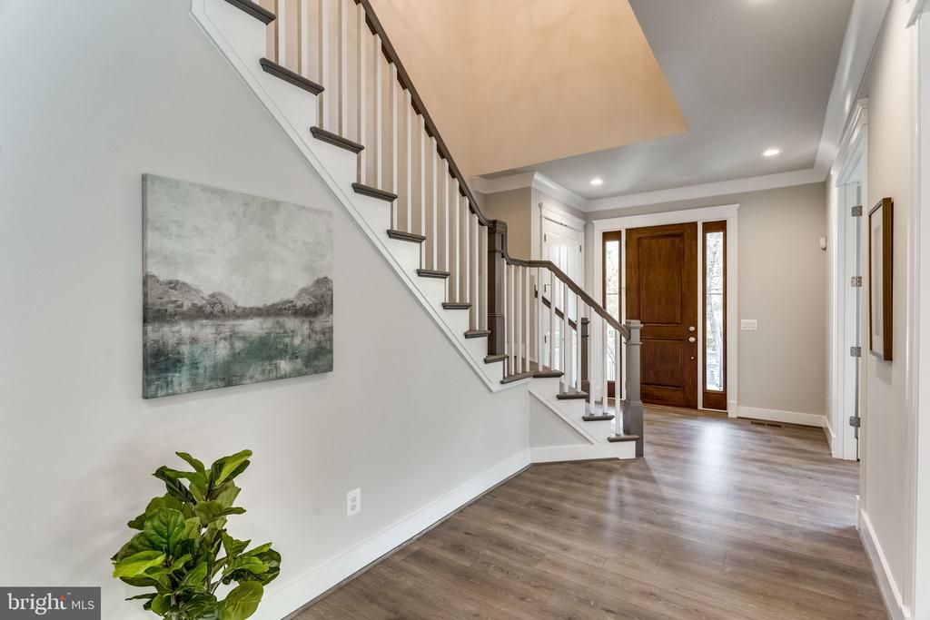 FOYER - 3129 CHICHESTER LN #3, FAIRFAX