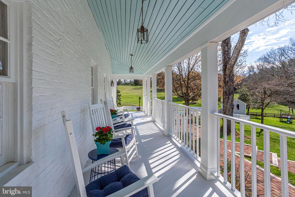 Wrap Around Front Porch - 14774 MILLTOWN RD, WATERFORD