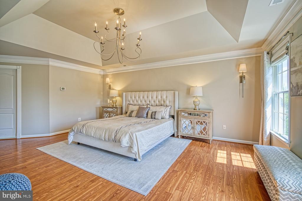 MASTER SUITE - 10896 HUNTER GATE WAY, RESTON