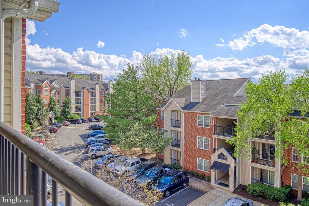 Beautiful views from private balcony - 3315 WYNDHAM CIR #4226, ALEXANDRIA