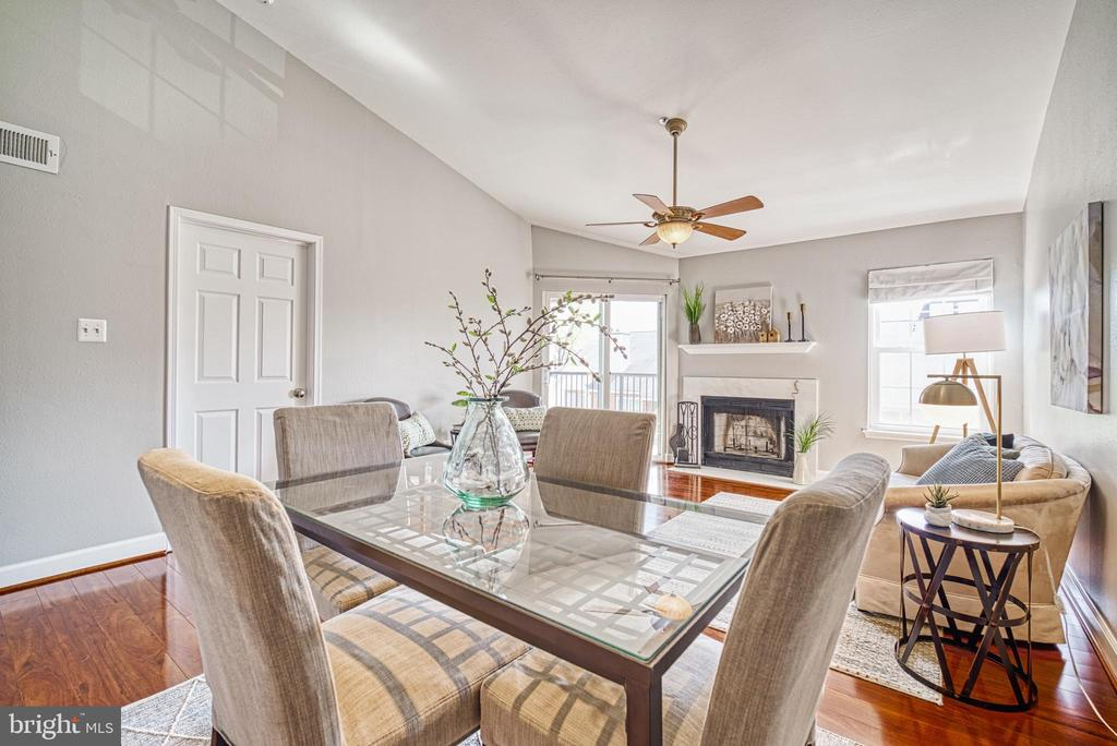Plenty of space for full-size dining set - 3315 WYNDHAM CIR #4226, ALEXANDRIA