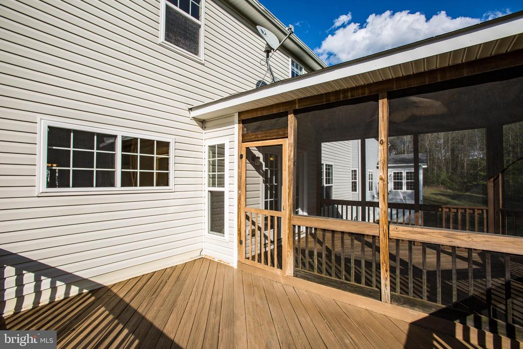 Additional open deck (14x10) - 46 WILTSHIRE DR, STAFFORD