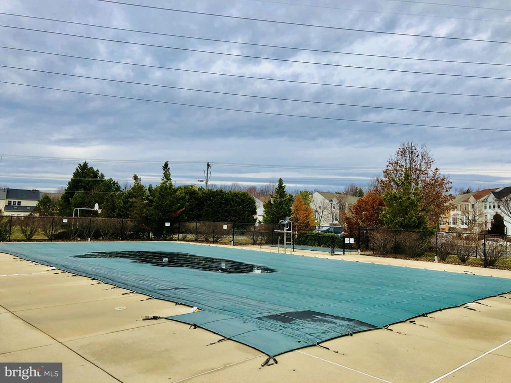 Community Pool - 7506 SHIRLEY HUNTER WAY, ALEXANDRIA