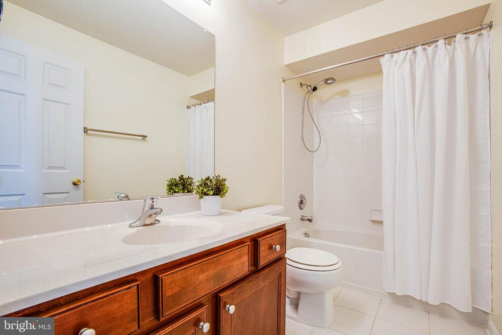 Full bathroom on the basement level - 46 WILTSHIRE DR, STAFFORD