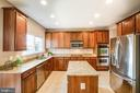 Granite countertops and stainless steel appliances - 46 WILTSHIRE DR, STAFFORD