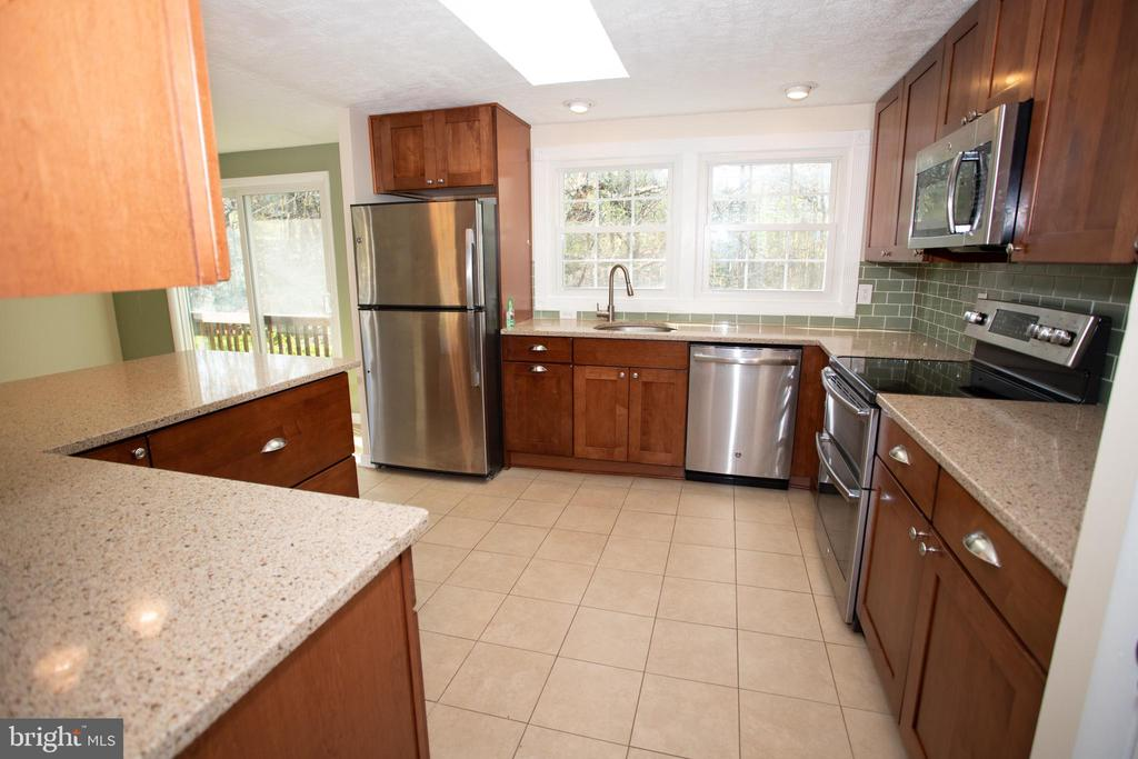 Kitchen - 12903 MELVILLE LN, FAIRFAX