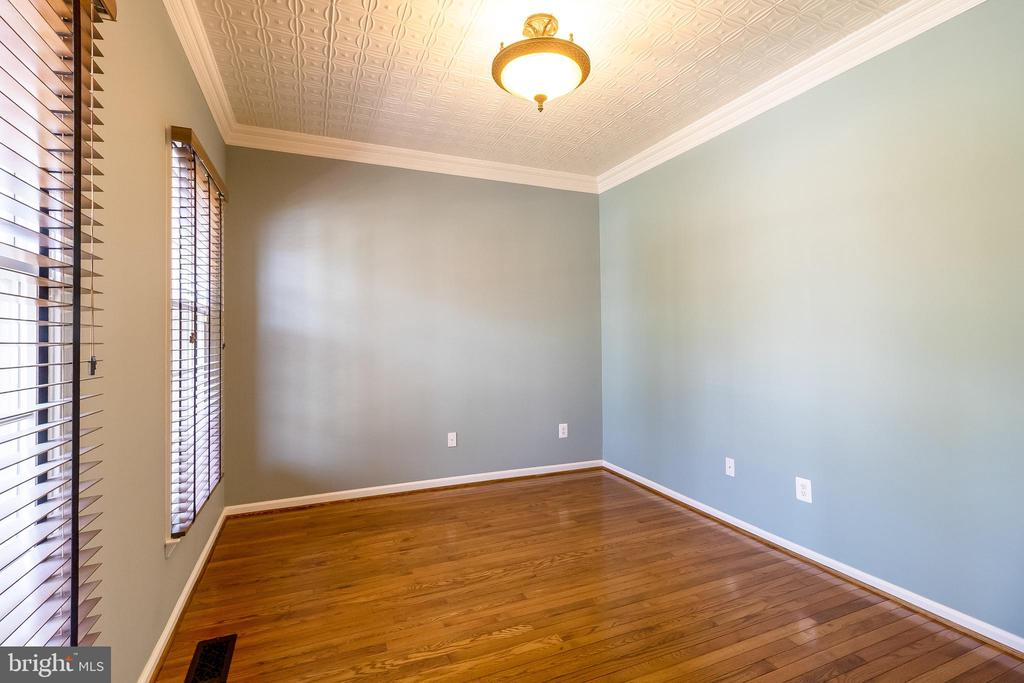 Main Level Office with Unique Tin Ceiling - 1508 JUDD CT, HERNDON