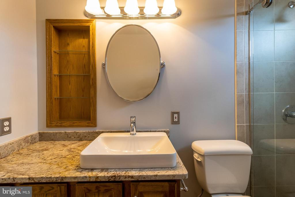 Updated Hall Bath - 1508 JUDD CT, HERNDON