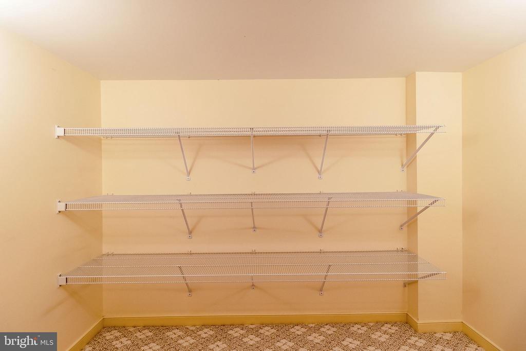 Storage on every level! - 1508 JUDD CT, HERNDON