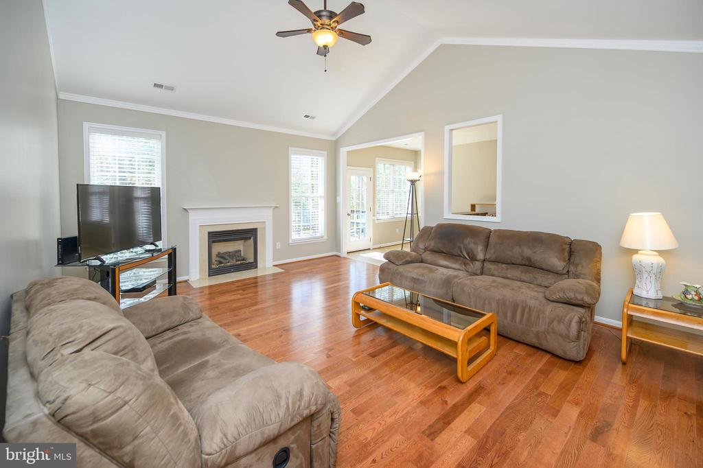Airy, light living room with cathedral ceilings - 623 MT PLEASANT DR, LOCUST GROVE