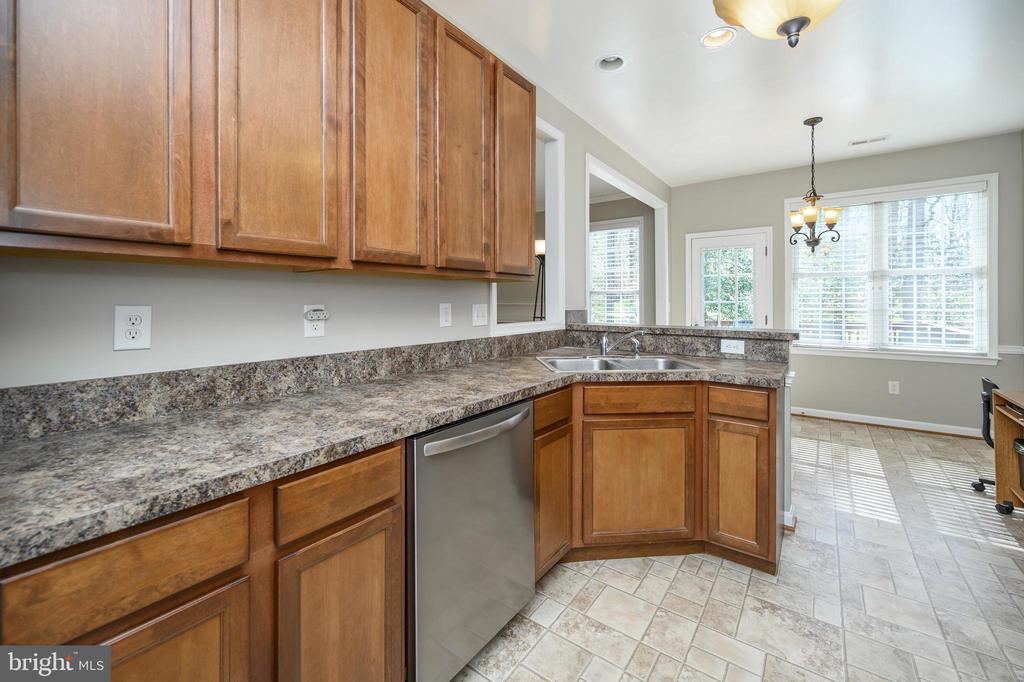 Enjoy ample cabinet and counter space - 623 MT PLEASANT DR, LOCUST GROVE