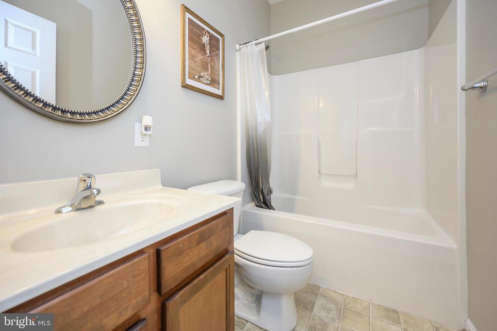 Hall bath main level - 623 MT PLEASANT DR, LOCUST GROVE