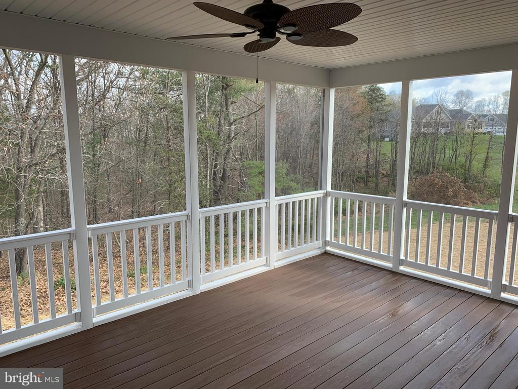 Optional Covered Deck w/Optional Screened Deck - T-24 TRACI'S WAY, WINCHESTER