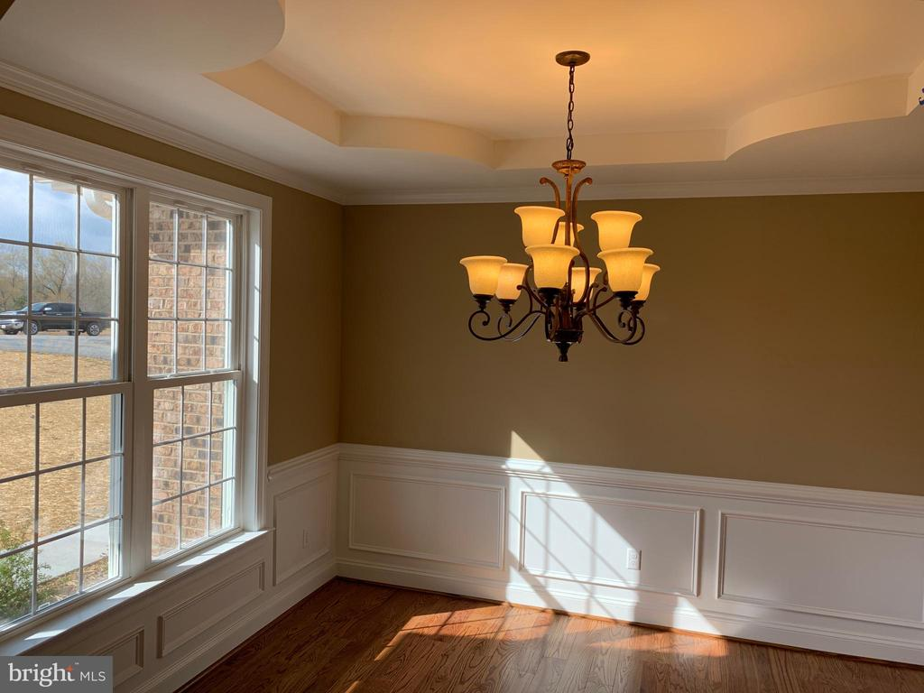 Example Dining Room - T-24 TRACI'S WAY, WINCHESTER