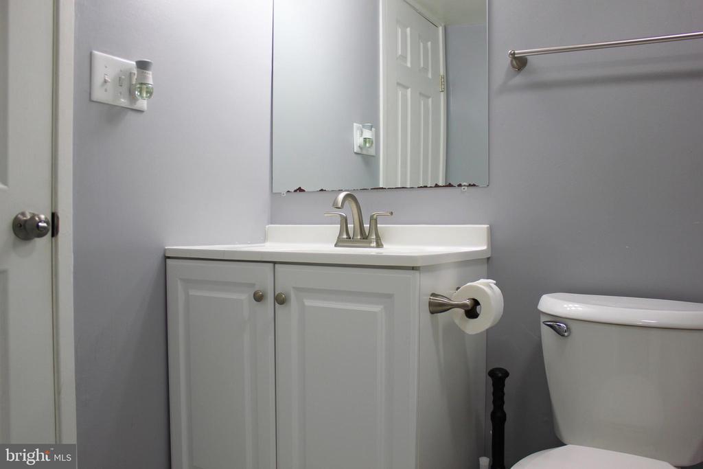 Updated Bathroom - 102 DUVALL LN #4-104, GAITHERSBURG