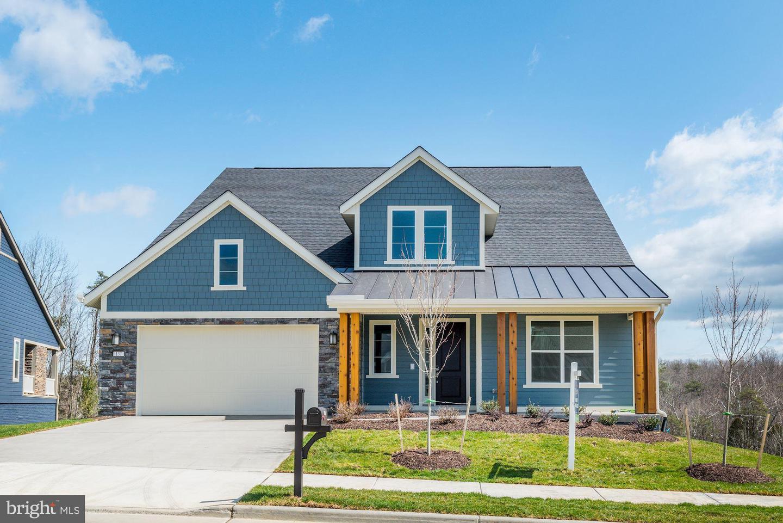 Single Family Homes 為 出售 在 Lake Frederick, 弗吉尼亞州 22630 美國
