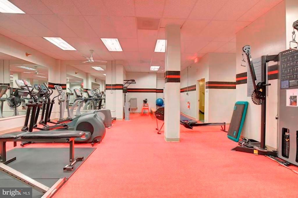 Gym - 4515 WILLARD AVE #1618S, CHEVY CHASE