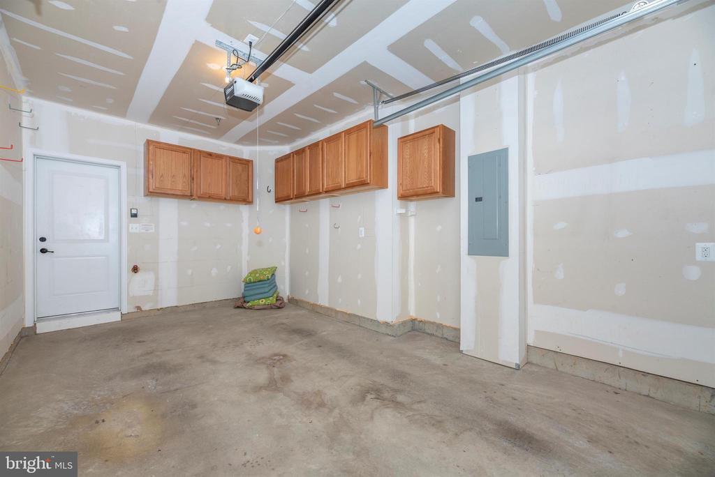 Custom cabinetry - 6434 ALAN LINTON BLVD E, FREDERICK