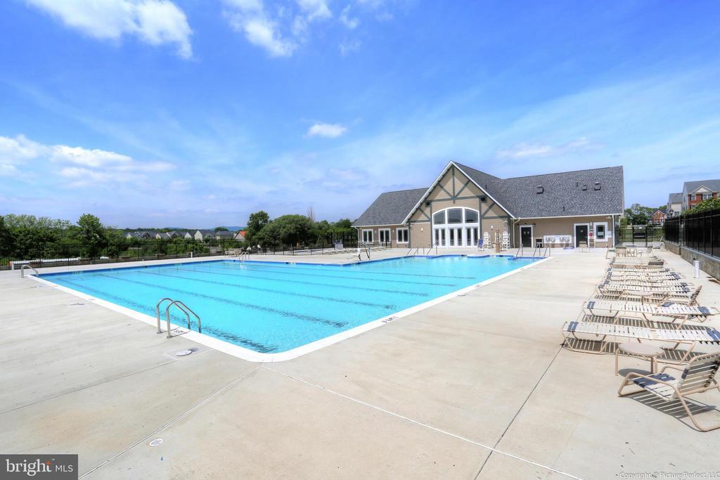 In ground community pool - 6434 ALAN LINTON BLVD E, FREDERICK
