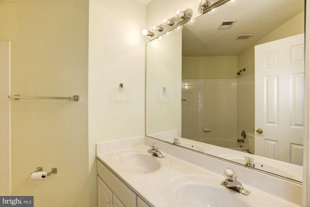 Bath room in the hall way - 2421 MILL HEIGHTS DR, HERNDON