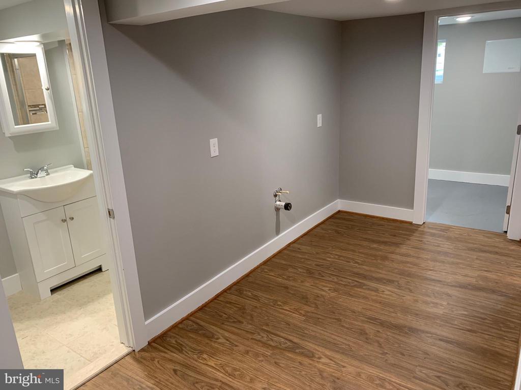 Basement - Kitchen Addition Possible - 3112 ALABAMA AVE SE, WASHINGTON