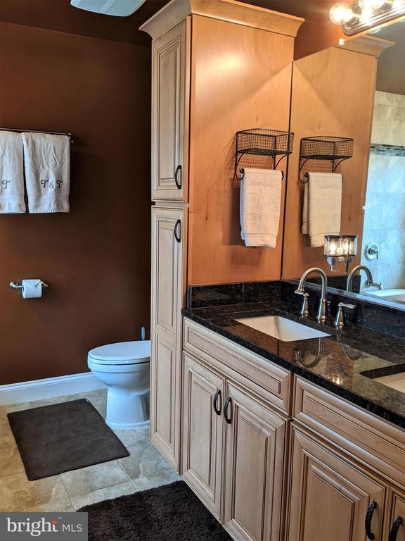 Master Bath w/Double Sinks - 9301 OLD SCAGGSVILLE RD, LAUREL