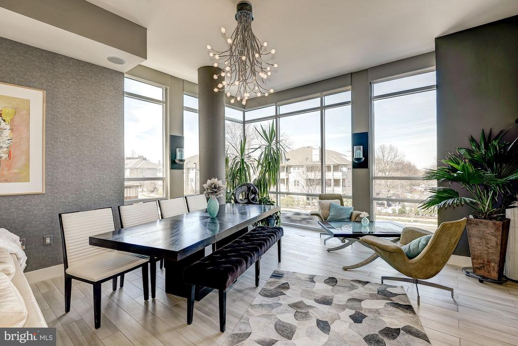 Dining area with Stunning 11  ceilings! - 12025 NEW DOMINION PKWY #103, RESTON