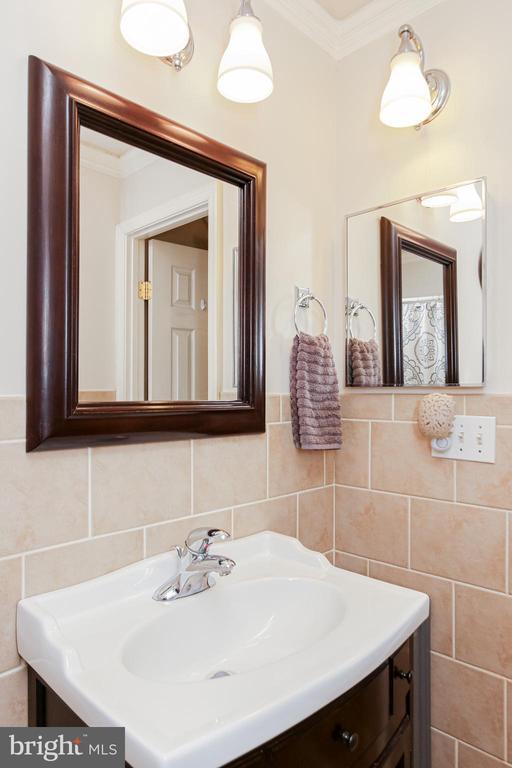 Master Bathroom - 19126 SANDYHOOK RD, KNOXVILLE