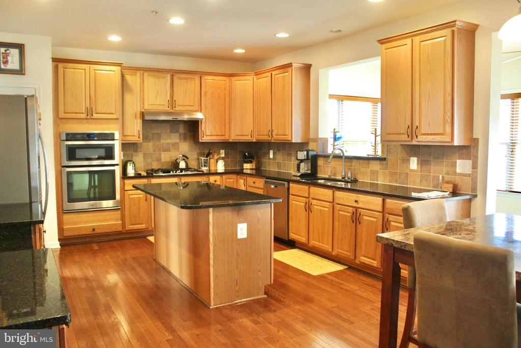 Chef's kitchen - 4025 BRIDLE RIDGE RD, UPPER MARLBORO