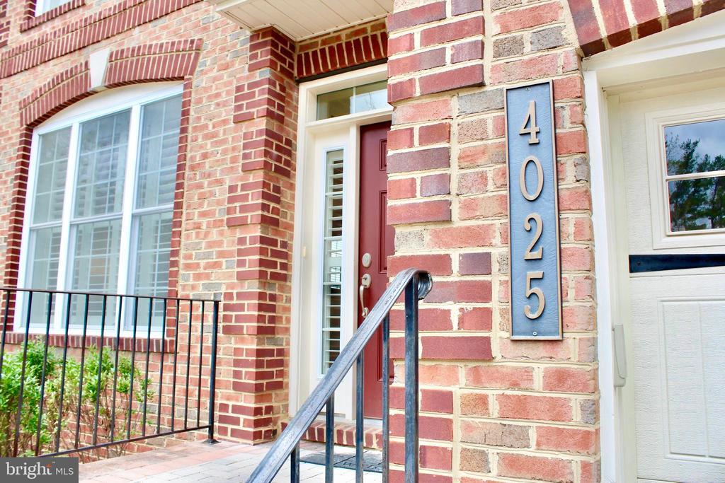 Perfectly maintained brick home - 4025 BRIDLE RIDGE RD, UPPER MARLBORO