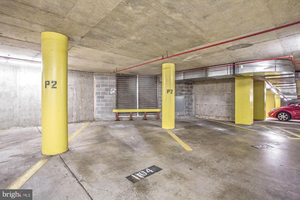 One underground garage parking space conveys - 1001 N VERMONT ST #310, ARLINGTON