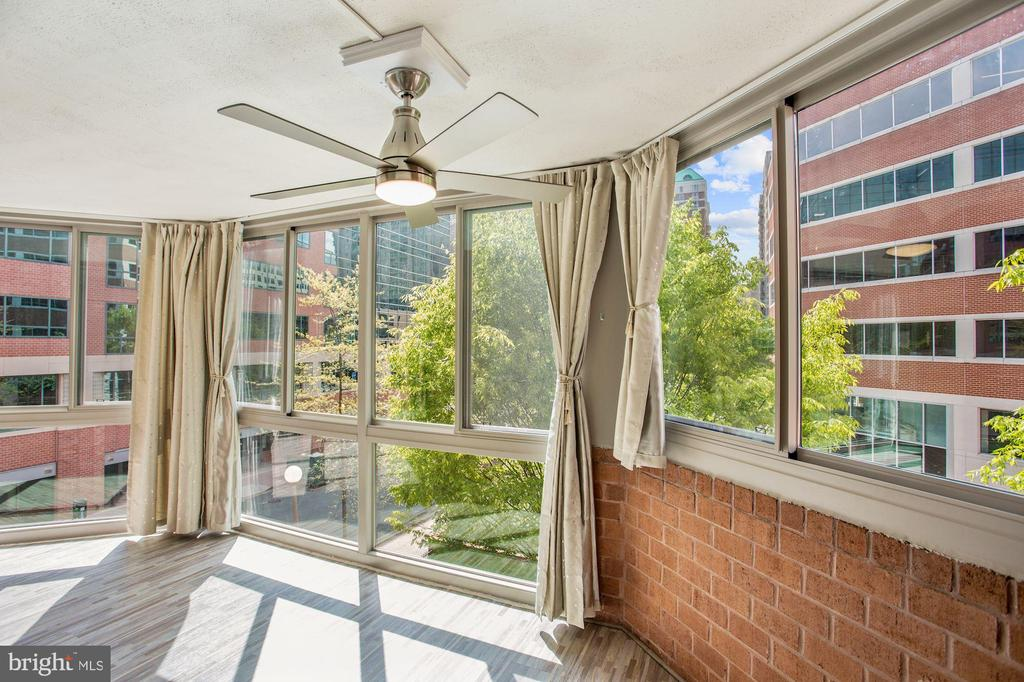 Beautiful views, custom blackout curtains - 1001 N VERMONT ST #310, ARLINGTON