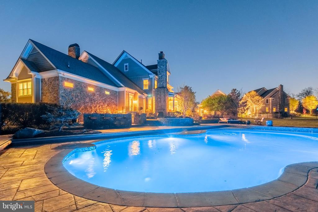 Twilight Pool - 5222 SWEET MEADOW LN, CLARKSVILLE