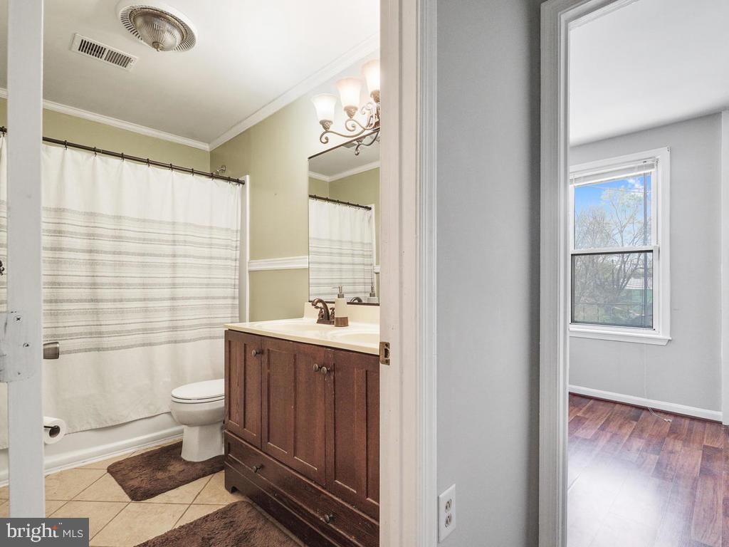 Second Floor Bathroom - 138 E 5TH ST, FREDERICK