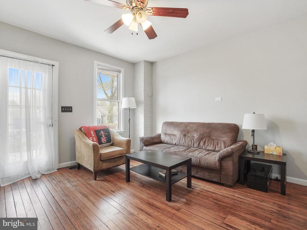 Living Room - 138 E 5TH ST, FREDERICK