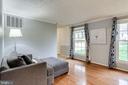Bright Living Room Off Foyer - 7924 BUTTERFIELD DR, ELKRIDGE
